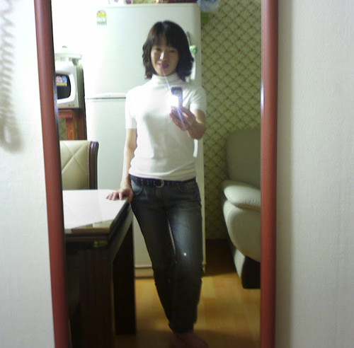 40-ish Korean Wife Raunchy Mirror Shots